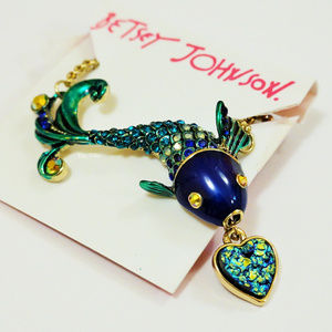 Betsey Johnson Blue Fish Pendant Necklace